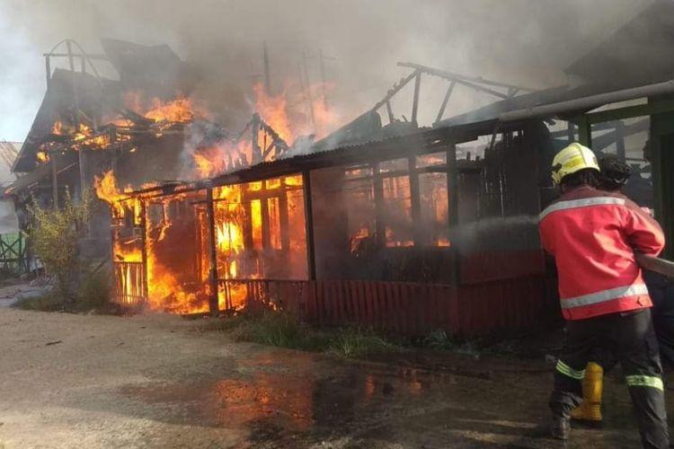 Peristiwa kebakaran melanda kawasan padat di Samarinda, Senin (4/3/2019).