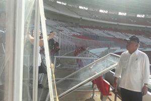 Basuki Menangis Lihat Kerusakan Stadion Utama GBK