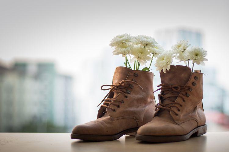 Image result for Muncul Bau Tak Sedap di Sepatu? Atasi dengan Tips Berikut!