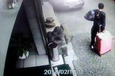 CCTV Rekam Seorang Pria Menarik Koper Berisi Jenazah Kekasihnya