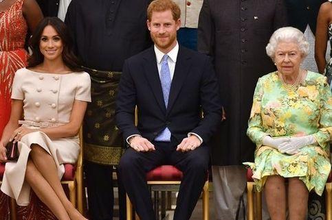 Mengapa Meghan Sering Memakai Nuansa Pink Saat Acara Kerajaan?