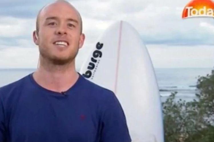 Charlie Fry, dokter asal Inggris yang lolos dari serangan hiu saat berselancar di pantai Australia.