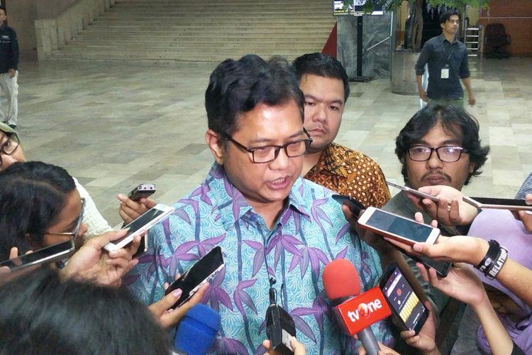 Wakil Ketua Umum Partai Amanat Nasional (PAN) Viva Yoga Mauladi saat ditemui di Kompleks Parlemen, Senayan, Jakarta, Senin (17/12/2018).