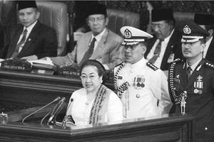 Hari Ini 18 Tahun Lalu, Megawati Soekarnoputri Torehkan Sejarah Politik Indonesia