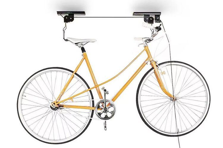 Penggantung sepeda dengan katrol