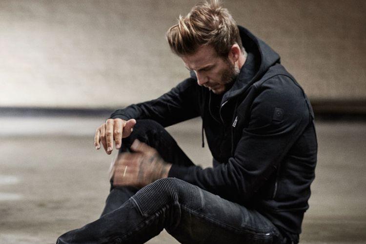 David Beckham mengenakan hoodie