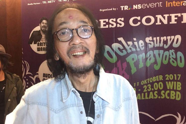 Yockie Suryo Prayogo hadir dalam jumpa pers mengenai  konser Yockie Suryo Prayogo in Rock Menjilat Matahari di Menara Bank Mega, Jalan Kapten Tendean, Jakarta Selatan, Selasa (3/10/2017).