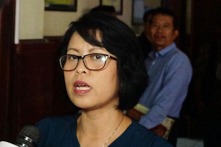 Tante <a href='https://medan.tribunnews.com/tag/vanessa-angel' title='VanessaAngel'>VanessaAngel</a>, Reni saat ditemui di Pengadilan Negeri Surabaya, Rabu (26/6/2019).