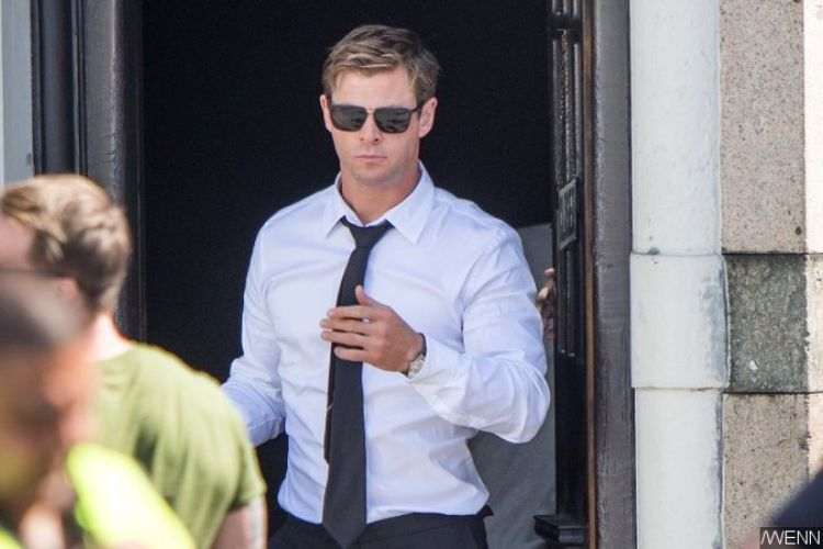 Chris Hemsworth di lokasi shooting Men in Black di London.