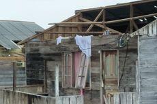 Puting Beliung Hantam Rumah Warga di Lingga hingga Rusak