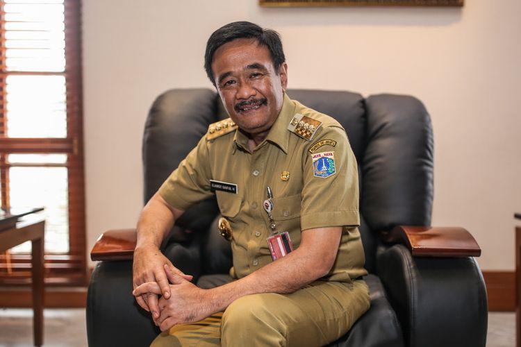 Gubernur DKI Jakarta Djarot Saiful Hidayat saat wawancara dengan kompas.com di Balai Kota DKI Jakarta, Jalan Medan Merdeka Selatan, Senin (4/9/2017).