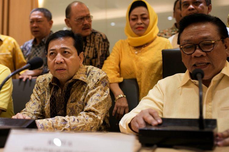 Ketua Umum DPP Partai Golkar Setya Novanto mengadakan rapat dengan jajaran Dewan Pakar Partai Golkar di Kantor DPP Partai Golkar, di Jalan Anggrek Neli Murni, Jakarta Barat, Jumat (21/7/2017). Pertemuan ini digelar atas permintaan DPP Golkar untuk membahas status Setya Novanto yang menjadi tersangka korupsi proyek pengadaan kartu tanda penduduk elektronik (E-KTP).