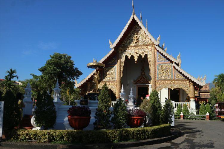 Kuil Wat Phra Singh, jadi salah satu yang wajib Anda kunjungi di Chiang Mai, berlokasi di, Singharat Road,Subdistrict Phra Sing, Provinsi Chiang Mai,Thailand.