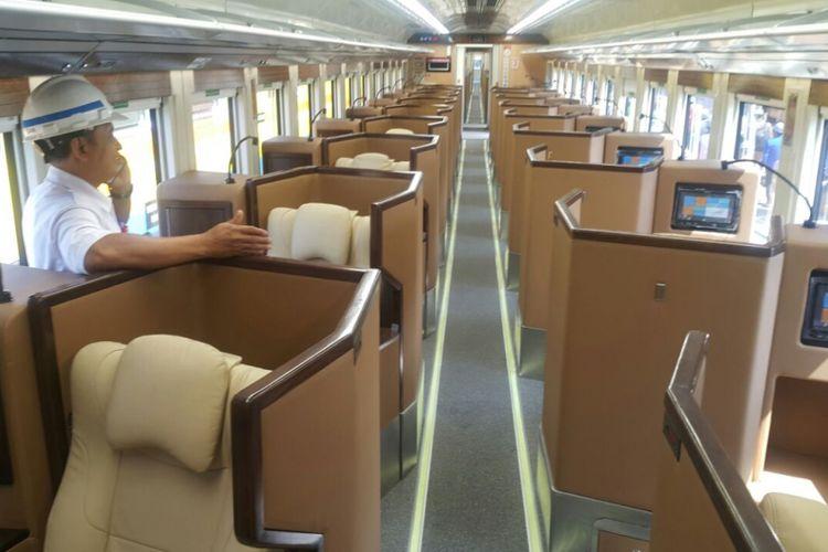 Inilah ruangan satu dari empat kereta sleeper seat buatan PT INKA pesanan PT KAI yang akan dioperasionalkan untuk pemudik lebaran 2018. Empat kereta sleeper seat itu dikirim Jumat (8/6/2018) sore.