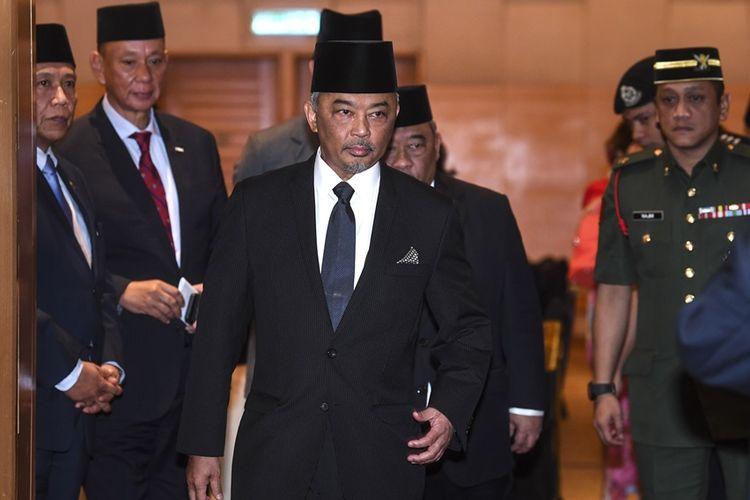 Tengku Abdullah Shah (tengah), putra Sultan Pahang, Sultan Ahmad Shah.