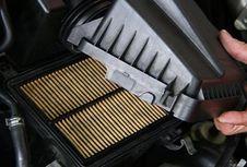 Filter Udara pada Mobil Wajib Dicek Secara Berkala