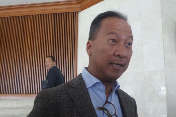 Sekretaris Fraksi Partai Golkar di DPR RI, Agus Gumiwang Kartasasmita di Kompleks Parlemen, Senayan, Jakarta, Selasa (11/4/2017).