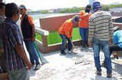Langgar IMB, Sebuah Rumah di Kelapa Gading Dibongkar