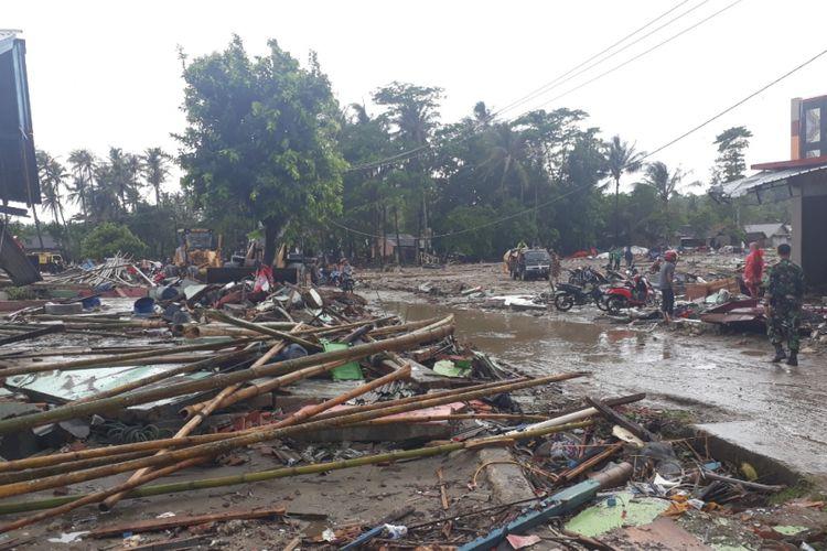 Tampak salah satu area di Kecamatan Sumur, Kabupaten Pandeglang sebagai wilayah terparah diterjang tsunami Selat Sunda, Selasa (25/12/2018).