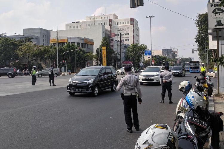 Sosialisasi Perluasan Ganjil Genap di Jalan Gunung Sahari, Pademangan, Jakarta Utara