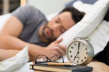 Pria yang Tidur Lebih Awal, Spermanya Juga Lebih Bagus