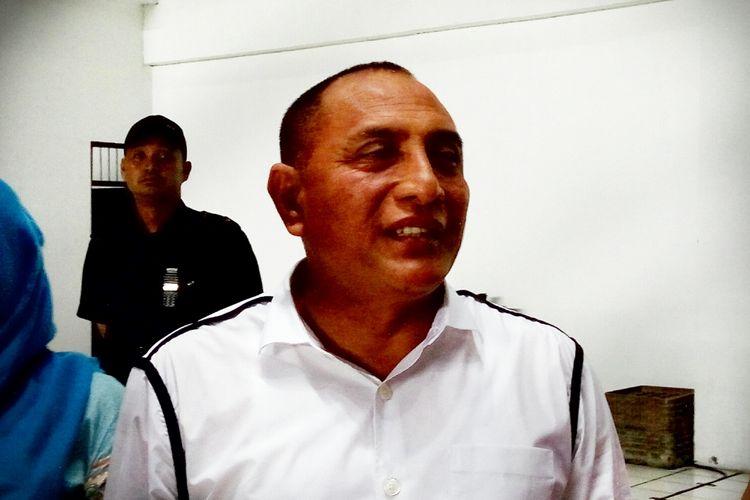 Ketua Umum PSSI, Edy Rahmayadi, saat menemui wartawan di sela babak pertama uji coba antara timnas Indonesia melawan timnas Puerto Riko di Stadion Maguwoharjo, Sleman.