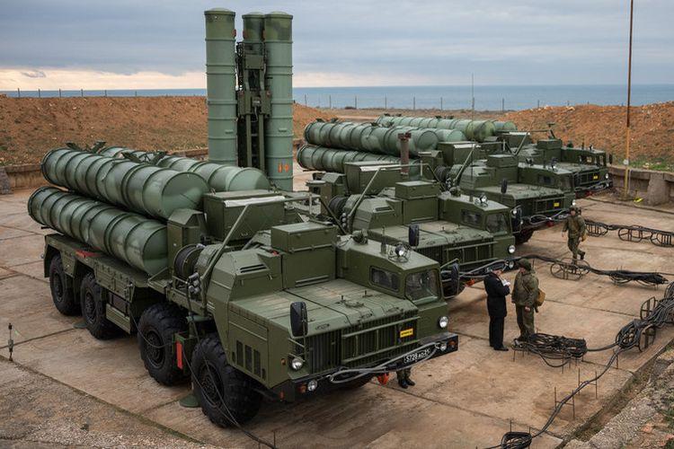 Sistem pertahanan anti-serangan udara bikinan Rusia, S-400.
