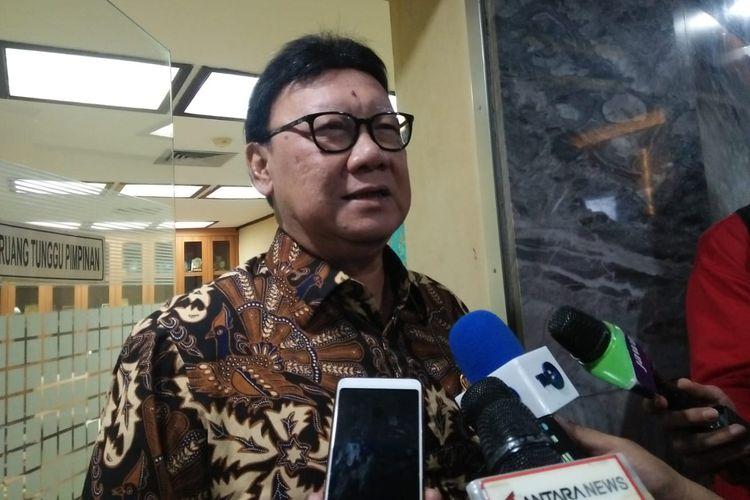 Menteri Dalam Negeri (Mendagri) Tjahjo Kumolo, di Kompleks Parlemen, Senayan, Jakarta, Kamis (20/6/2019)