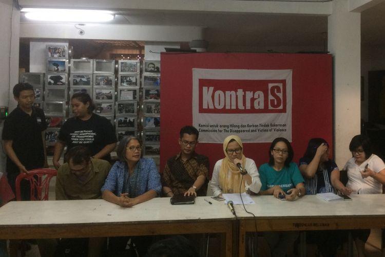 Konferensi Pers Terkait Kejadian Terorisme di Indonesia di Kantor Kontras, Jakarta, Kamis (17/5/2018).