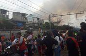 Kebakaran Landa Permukiman Padat Penduduk di Tanah Tinggi