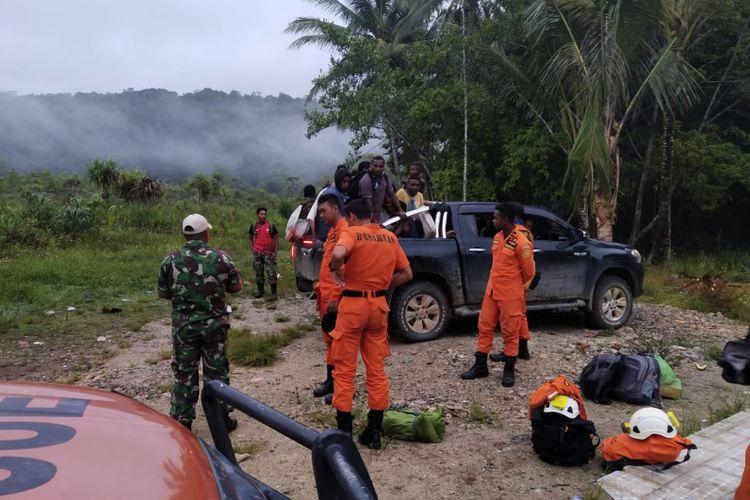 Tim SAR gabungan, yang hendak mengevakuasi Tim Survei Pemkab Tambrauw, di Manekar.