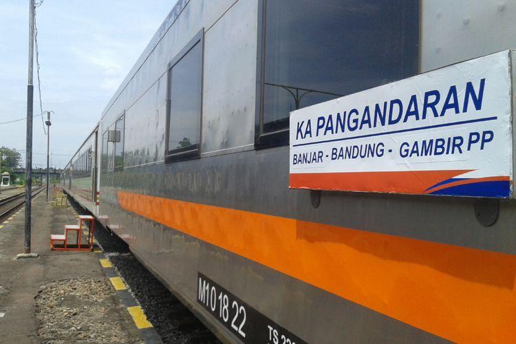 PT KAI meluncurkan Kereta Api Pangandaran untuk melayani penumpang jurusan Banjar-Bandung-Jakarta, di Stasiun Banjar, Rabu 2 Januari 2019