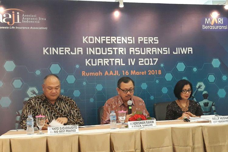 Konferensi pers Kinerja Industri Asuransi Jiwa Kuartal IV 2017 di Rumah AAJI Jakarta, Jumat (16/3/2018).