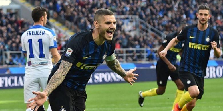 Kegembiraan kapten Inter Milan, Mauro Icardi, seusai mencetak gol ke gawang Atalanta pada pertandingan Serie A di Stadion Giuseppe Meazza, Minggu (12/3/2017).