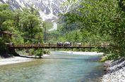 Indahnya Pemandangan 4 Musim di Jembatan Kappabashi, Jepang