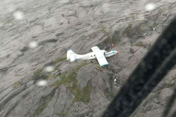 Pesawat sewaan jatuh di Pulau Pangelan Wales, Alaska, Amerika Serikat. (Pasukan Penjaga Pantai AS via ABC News)