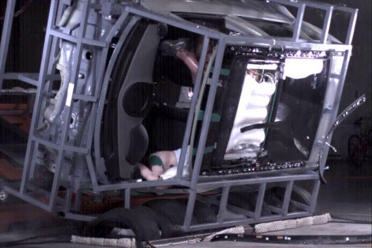 Airbag panorama sunroof yang dikembangkan Hyundai.