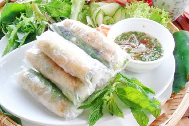 Goi cuon lumpia khas Vietnam.