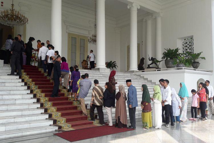 Suasana halal bihalal yang digelar Presiden Joko Widodo di Istana Presiden Bogor, Jawa Barat, Jumat (15/6/2018).