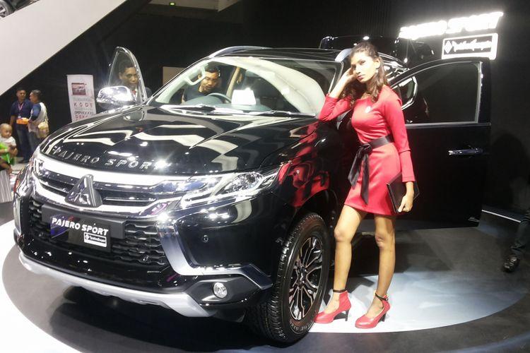 Salah satu unit Mitsubishi Pajero Sport yang dipajang di booth Mitsubishi selama pameran Indonesia International Motor Show (IIMS) 2018.