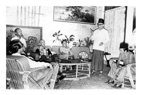 Hari Ini dalam Sejarah: Soekarno dan Hatta Dibawa ke Rengasdengklok