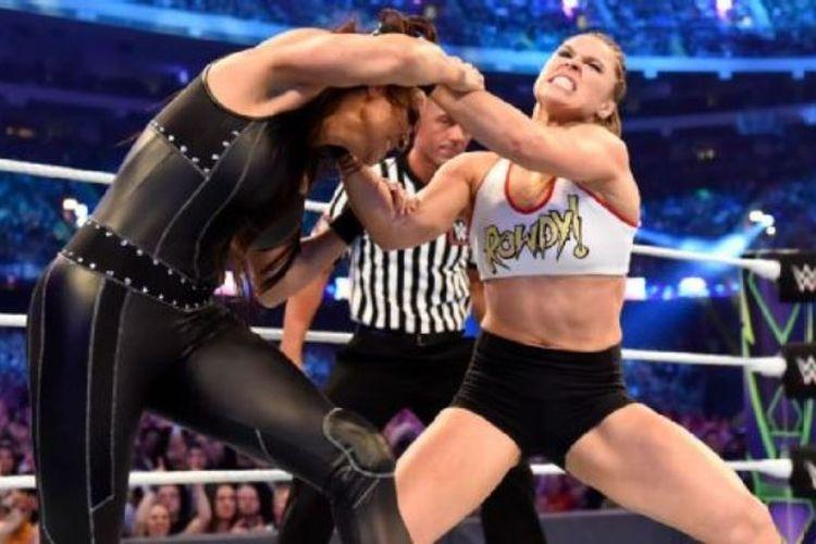 Ronda Rousey pada ajang WrestleMania 34