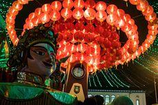 5.000 Lampion Mulai Menyala, Ribuan Orang Padati Pasar Gede Solo