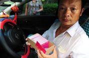 Setelah 24 Tahun Mencari, Sopir Taksi Ini Temukan Putrinya yang Hilang