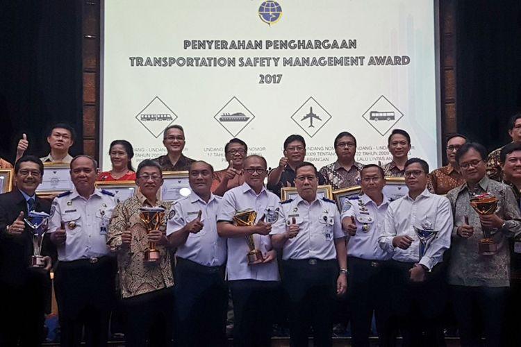 Maskapai berbiaya murah (LCC) Citilink Indonesia meraih peringkat pertama dalam ajang Transportation Safety Management Award 2017? yang diselenggarakan oleh Kementerian Perhubungan Republik Indonesia, Selasa (19/11/2017).