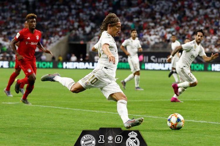 Aksi Luka Modric pada pertandingan Bayern Muenchen vs Real Madrid dalam ICC 2019 di Houston, 20 Juli 2019.