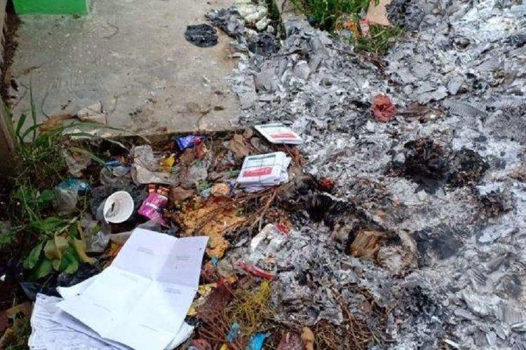Kotak suara dan surat suara Pemilu 2019 dibakar orang tak dikenal di TPS di wilayah Kota Sungaipenuh, Jambi.