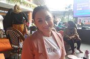 Pengalaman Mona Ratuliu Atasi Kebiasaan Anak Main Gawai