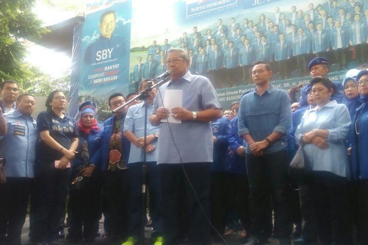 Ketua Umum Partai Demokrat Susilo Bambang Yudhoyono saat jumpa pers di Kantor DPP Demokrat, Jakarta, Selasa (6/2/2018).
