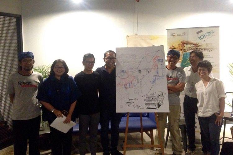 Beberapa seniman yang menjadi pembicara di acara koferensi pers acara 101 Travel Sketch, Jakarta Creative Hub, Selasa (10/10/2017). Acara 101 Travel Sketch sendiri akan dihelat tanggal 28-29 Oktober 2017 di Bogor.